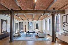 Creative Industrial Style Decor Ideas That You Can Create For Your Urban Living Space loft Industrial Apartment, Industrial Interiors, Industrial House, Urban Industrial, Industrial Decorating, Industrial Furniture, Industrial Style, Soho Loft, Loft Stil