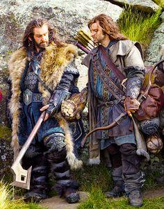 "Thorin (Richard Armitage) and Kili (Aidan Turner) from ""The Hobbit"" Thorin Oakenshield, Bilbo Baggins, Fili Et Kili, Tauriel, The Hobbit Movies, O Hobbit, Hobbit Humor, The Hobbit Thorin, Hobbit Dwarves"
