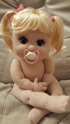 Best 12 GIOIA not Mine ~ in the wrong file as my phone jumped as I selected Crochet Dolls Free Patterns, Crochet Doll Pattern, Baby Knitting Patterns, Free Knitting, Crochet Teddy, Crochet Bunny, Crochet Toys, Knitted Dolls, Soft Dolls