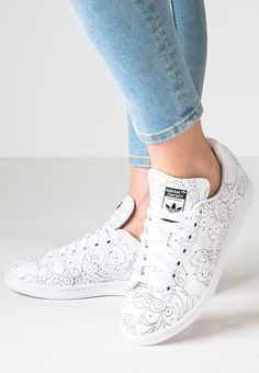Adidas Originals STAN SMITH Baskets basses white black prix promo Baskets  femme… b3ede040e46