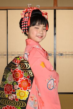A photographer of geisha, maiko, and Kyoto