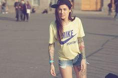 Crazy White Bitches: HOT GIRLS WITH TATTOOS