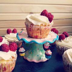 Raspberry Cupcakes, Desserts, Recipes, Food, Tailgate Desserts, Deserts, Essen, Postres, Dessert