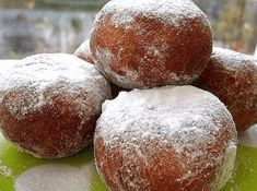 Donuts that melt in the mouth Russian Cakes, Russian Desserts, Ukrainian Recipes, Russian Recipes, Russian Foods, Hungarian Cake, Photo Food, Yeast Rolls, Home Bakery