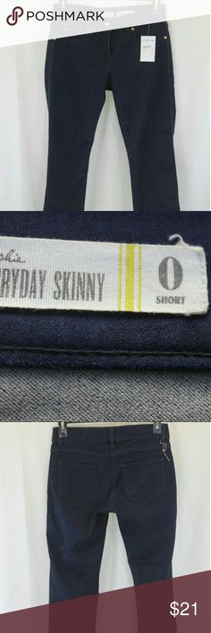 """MAISON JULES SOPHIE SKINNY PANTS JEANS SIZE 0 NWT Measurements (we physically measured this item)  Waist:                                   26"""" Inseam:28"""" Length:36.5"""" Condition: BRAND NEW WITH TAGS. COTTON/SPANDEX/POLY. SOURCED DIRECTLY FROM A MAJOR US RETAILER. THE ZIPPER IS DISCONNECTED SEE PICS Maison Jules Jeans Skinny"""