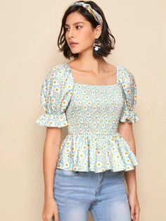 Party Wear Indian Dresses, Indian Fashion Dresses, Girls Fashion Clothes, Fashion Outfits, Fancy Blouse Designs, Designs For Dresses, Crop Top Outfits, Cute Casual Outfits, Designer Kurtis