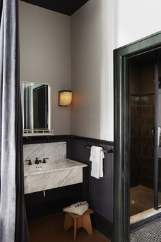 Free WiFi and an outdoor pool at Ace Hotel New Orleans, New Orleans. Family-friendly hotel close to Canal Street. Ace Hotel, New Orleans Hotels, Bad Inspiration, Bathroom Inspiration, Interior Inspiration, Architecture Restaurant, Bathroom Interior, Boho Bathroom, Rustic Bathrooms