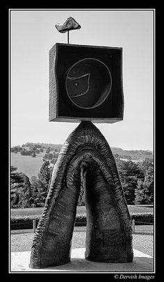 Yorkshire Sculpture Park Miro - eu juraria que seria do Megumi Yuasa Installation Art, Public Sculpture, Miro Artist, Yorkshire Sculpture Park, Sculpture, Cool Art, Land Art, Street Art, Surrealism Sculpture