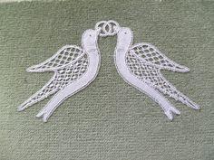 Honiton Lace by Elizabeth Trebble - Tricot Pontos Crochet Applique Patterns Free, Bobbin Lace Patterns, Crochet Birds, Doilies Crochet, Bobbin Lacemaking, Types Of Lace, Point Lace, Tatting Lace, Needle Lace