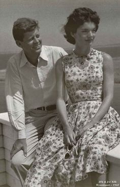 A beautiful black and white portrait poster of JFK and Jackie on summer holiday in Hyannisport in 1960. Ships fast. 11x17 inches. Need Poster Mounts..?