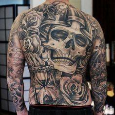 Killer back piece by Daniel Hofer #back #skull #tattoo #inknation - tattootheuniverse @ Instagram Web Interface - 5th village