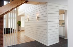 paneeliseinä Shiplap Trim, Living Spaces, Living Room, Cottage Homes, Wooden Walls, White Wood, Wood Paneling, Stairways, Home And Living