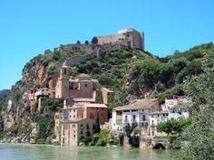 Uma cidade muito eclética para os turistas que podem tanto aproveitar as  praias como os monumentos que fazem de TarragonaPatrimônio Mundial da  Humanidade pela UNESCO. ICCE