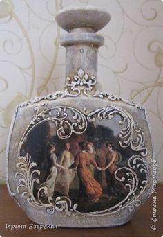 Glass Bottle Crafts, Diy Bottle, Bottle Art, Liquor Bottles, Glass Bottles, Decoupage Jars, Cross Crafts, Altered Bottles, Basket Weaving