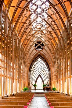 interior view of The Mildred B. Cooper Memorial Chapel in Arkansas. What an incredible place for a wedding. Southern Architecture, Church Architecture, Amazing Architecture, Architecture Details, Beautiful Buildings, Beautiful Places, Wedding Ideias, Church Design, Old Churches