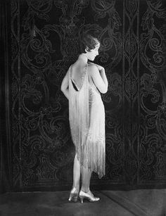 The Bee's Knees: Famous Flappers  A great blog with a collection of pictures of those wonderful 1920's Flappers.