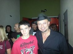 Geoff Tate with my friend Jeff Loux's son at the Sacramento QR show, 8/20/13.