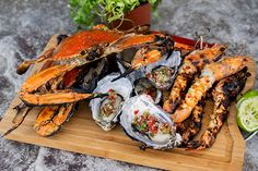 Mixed Seafood Grill with Thai Chilli Dressing - Seafood Recipes Shrimp Sauce Recipes, Grilled Fish Recipes, Healthy Grilling Recipes, Grilled Seafood, Fish And Seafood, Seafood Recipes, Camping Recipes, After School, Mixed Grill