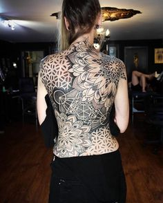 Image may contain: one or more people and people standing Time Tattoos, Sexy Tattoos, Unique Tattoos, Beautiful Tattoos, Body Art Tattoos, Tatoos, Full Back Tattoos, Back Tattoo Women, Sleeve Tattoos For Women