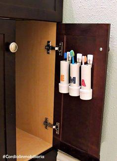 Puedes mantener en orden los cepillos de dientes de tu familia y al mismo tiempo ahorrar espacio. ¡Solo necesitas un par de tubos PVC y listo! #Cordialinmobiliaria