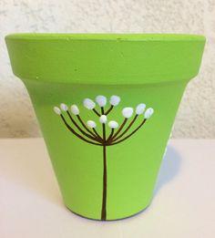 Flower Pot Art, Flower Pot Crafts, Clay Pot Projects, Clay Pot Crafts, Painted Plant Pots, Painted Flower Pots, Decorated Flower Pots, Pottery Painting Designs, Terracotta Pots