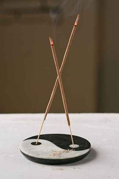Yin-Yang Incense Holder – Urban Outfitters