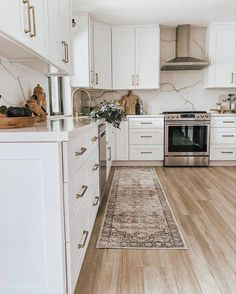 Interior Architecture, Interior Design, My Favorite Things, Rugs, Kitchen, My Love, Instagram, Home Decor, Houses