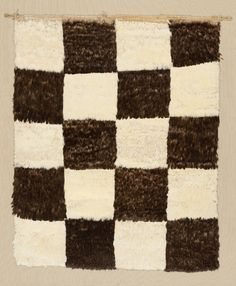 Banner, Peru, 1470-1534 (feathers knotted and sewn to plain weave cotton ground)