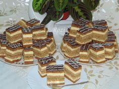 Rozi Erdélyi konyhája: Kavart diós, mézes krémes Hungarian Cake, Hungarian Recipes, Hungarian Food, Poppy Cake, Opera Cake, Nutella, Cake Recipes, Waffles, Cheesecake