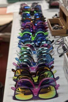 CENTRO ÓPTICO Juan Ramón TENA: gafas de sol Videos Kawaii, Aesthetic Vintage, Interior, Sunglasses, Centre, Indoor, Interiors