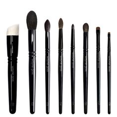 The Collection from Wayne Goss is an 8-piece brush set, handcrafted in Japan by skilled artisans. Every brush in this collection was designed for versatility, with a carefully tapered shape to prevent fallout and ensure the smoothest application possible.     This updated collection features the new Brush 05, originally introduced in the 2015 Anniversary Set.
