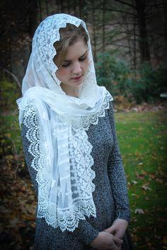 Church veil White lace veil Prayer shawl square Mantilla Church Vintage shawl wedding shawl