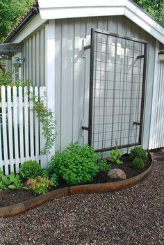 Garden Landscaping Architecture Var Dag i Mitt Liv: Grusad uppfart Pergola Patio, Backyard Landscaping, Pergola Kits, Growing Gardens, Greenhouse Gardening, Garden Landscape Design, Garden Trellis, Dream Garden, Garden Planning
