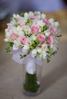 Romantic Wedding Decor, Diy Wedding Decorations, Flower Decorations, Rose Wedding Bouquet, Bridal Flowers, Bride Bouquets, Floral Bouquets, Night Time Wedding, Beautiful Rose Flowers