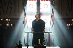"""Zap2it exclusively reveals a new image of Janet McTeer in """"The White Queen"""" episode 4, titled, """"The Bad Queen."""""""