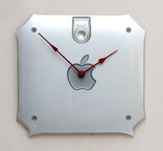 Parte de un ordenador convertido en reloj