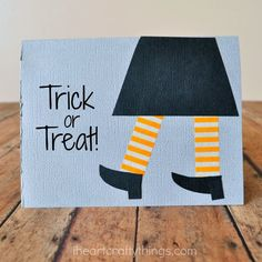 DIY Halloween Card Paper Crafts for Kids | Have the kids make these cute cards to send to family and friends this October