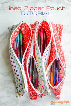 Lined Zipper Pouch Tutorial   Make these adorable pouches for back-to-school gifts or even for your own kids' supply pouches. Includes coordinating free printable gift tag. Complete step-by-step sewing tutorial...perfect for beginners.