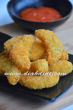 Diah Didi's Kitchen: Nugget Ayam Wortel My Recipes, Chicken Recipes, Snack Recipes, Cooking Recipes, Snacks, Prawn Noodle Recipes, Diah Didi Kitchen, Nuggets Recipe, Good Food