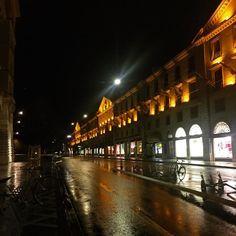 Night Lights. #geneva #night #lights #photooftheday #switzerland #wandering #wanderlust #city #urban #urbanscenery #explore