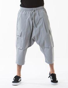 DC Drop Crotch Cargo Bermuda Sirwal in Grey Hip Hop Fashion, Urban Fashion, Mens Fashion, Drop Crotch Shorts, Joggers Outfit, Muslim Men, Islamic Clothing, Muslim Fashion, Outfit Of The Day
