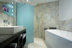 City XL Bathroom