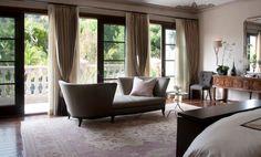 A cortina tem a função de trazer privacidade, barrar o excesso de luminosidade e ainda de decorar  | Forma Expressa
