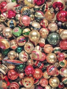 vintage ornaments--I remember so many of these ornaments from my parents' tree.  Alas, most of them I kept are broken now.