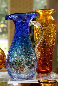 Best Shopping Places To Go In Lexington For Bucket List Ideas Blenko Glass, Fenton Glass, Antique Glass, Or Antique, Crackle Glass, Himmelblau, Look Vintage, Carnival Glass, Vintage Glassware