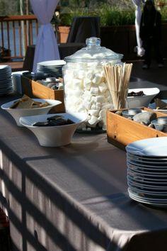 S'mores Bar - love the jar for the marshmallows. @Eileen Vitelli Vitelli Wrobel