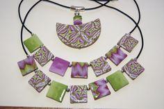 Colliers tons vert/violet