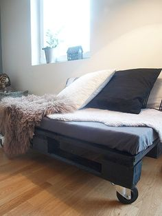 DIY bed with wheels