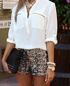 Glitter short me gusta esta ropa por que es interesante para salir esta muy buena como para salir de dia o de noche en un dia muy calentito y no frio