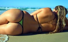 Check out a collection featuring sexy babes in sexy bikinis. Stunning babes showing off in their swimsuit in 51 selected pictures. Sexy Bikini, Bikini Beach, Thong Bikini, Hot Beach, Beach Bum, Beach Relax, Sand Beach, Mädchen In Bikinis, Summer Bikinis